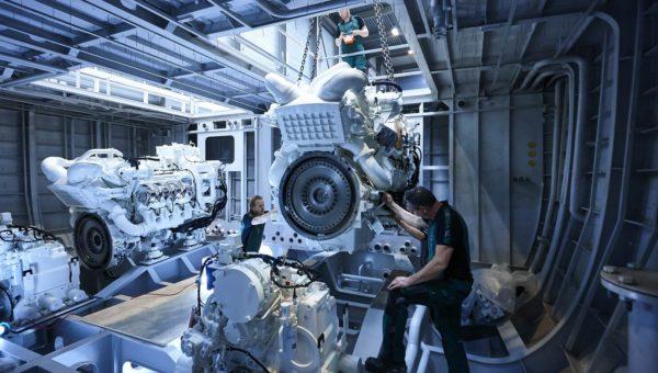 Engine installation YN18850
